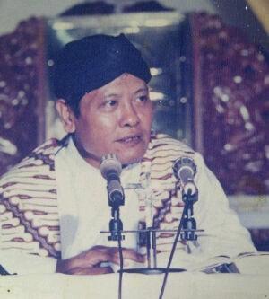 Romo Ignatius Kuntara Wiryamartana ( sumber foto : http://www.sesawi.net )